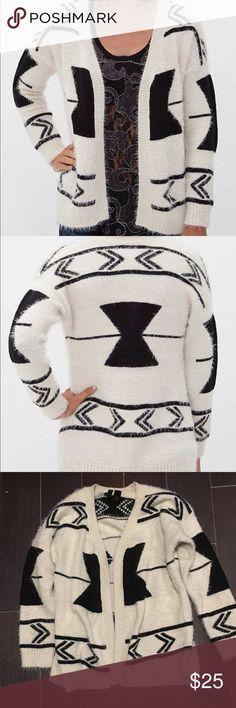 BKE boutique cardigan Gently worn no flaws eyelash cardigan Buckle Sweaters Cardigans
