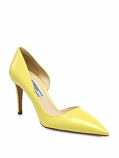 Take a page out of Carrie Bradshaw's book and wear a colorful pump as a neutral for #spring #fashion #trends