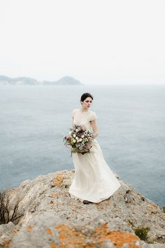 Italian island elopement - photo by Monica Leggio http://ruffledblog.com/italian-island-elopement-inspiration