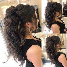 Cheveux à Elstile Coiffures à Elstile # эльстиль ____________. - Cheveux à Elstile Coiffures à Elstile # эльстиль _______________________________________________________ Elstile - - Quince Hairstyles, Wedding Hairstyles For Long Hair, Wedding Hair And Makeup, Up Hairstyles, Pretty Hairstyles, Hair Makeup, Glamorous Hairstyles, Big Wedding Hair, Indian Hairstyles