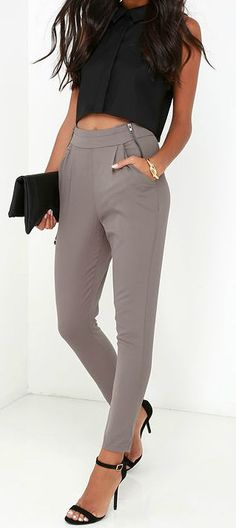 The All About That Sass Taupe Trouser Pants has all the right assets in all the right places! Classic trouser pants fall from a high waistband accented with diagonal zippers. Classy Outfits, Casual Outfits, Cute Outfits, Night Outfits, Casual Pants, Traje Casual, Look Blazer, Mein Style, Summer Work Outfits