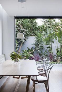 Un toque de naturaleza en todas las cocinas #mesasdecomedor #cocinasintegradas #mueblesdecocina