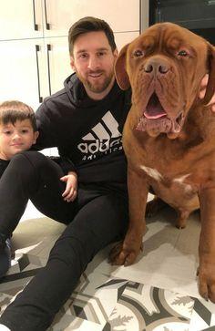 Lionel Messi con Hulk y Thiago. Lional Messi, Messi Fans, Messi Soccer, Lionel Messi Biography, Lionel Messi Family, Cr7 Junior, Bordeaux Dog, Leo, Argentina National Team