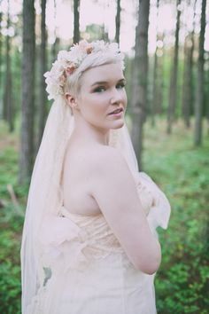 26 Short Wedding Hairstyles And Ways To Accessorize Them: a pixie haircut with a fresh floral crown in beautiful pastel shades and a veil added; Veil Hairstyles, Wedding Hairstyles With Veil, Cute Hairstyles For Short Hair, Short Hair Styles, Black Hairstyles, Fashion Hairstyles, Flower Crown Veil, Flower Crown Wedding, Wedding Flowers