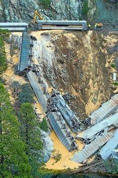 November train derailment in Feather River Canyon caused by broken rail