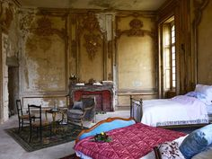 Château de Gudanes Renovation: Louis XIV Decor and Spring Roses Decor, Interior, Interior Spaces, French Country Bedrooms, Home Decor, Bedroom Inspirations, Castle Bedroom, Country Bedroom, Renovations