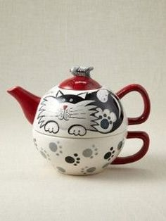 Paws for Tea Cat Teapot Tea For One, My Tea, Chocolate Pots, Chocolate Coffee, Teapots And Cups, Teacups, Teapot Cookies, Cafetiere, Tea Cozy