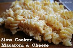Slow Cooker Macaroni and Cheese From Mavis