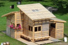A House For Refugees, Made From 100 Shipping Pallets