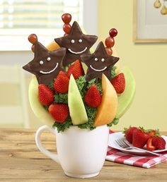 This Fruit Bouquet fills birthdays, anniversaries, or just because days with smiles. Plus, the reusable white mug will make them think of you every time they take a coffee break. David Flowers, You Make Me, How To Make, Fruit Arrangements, Mixed Fruit, Delicious Fruit, Flower Delivery, Coffee Break, Birthdays
