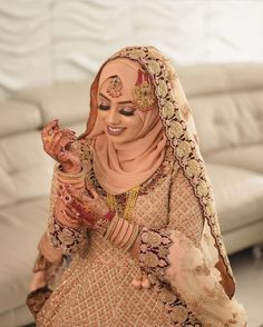 Modest and elegant bride Bridal Hijab Styles, Asian Bridal Dresses, Asian Wedding Dress, Muslim Wedding Dresses, Disney Wedding Dresses, Muslim Brides, Wedding Dresses For Girls, Bridal Outfits, Hijabi Wedding