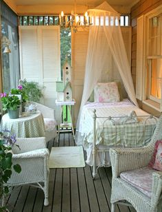 sleeping porch - certainly NOT in Kansas, but In a place where temps are regular through the year! Wow. So pretty.