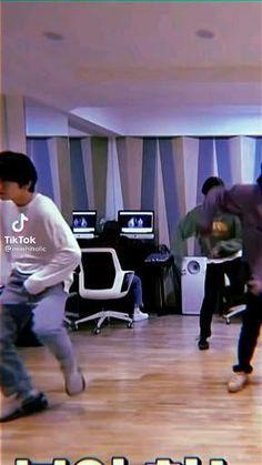 Pink Lyrics, Boy Idols, Jaehyun Nct, Kpop, Dance Videos, Yg Entertainment, Boy Groups, Bts, Instagram