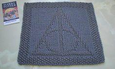 Deathly Hallows potholder/blanket square. Free pattern!