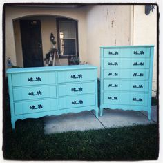 Antique French provincial dressers fully restored and upcycled with Annie Sloan chalkpaint in Provence. Uniqueantweaks