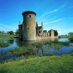 Caerlaverock Castle, Dumfries & Galloway © VisitBritain