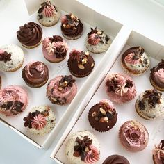 Nectar and Stone Buttercream Cupcakes, Baking Cupcakes, Cupcake Cakes, Cake Decorating Tips, Cookie Decorating, Nectar And Stone, Fancy Cupcakes, Little Cakes, Novelty Cakes