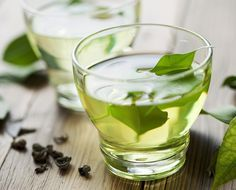 5 Best Teas for Weight Loss | Eat This Not That. Before a workout, turbocharge the fat-blasting effects by sipping a cup of green tea. In a recent 12-week study, participants who combined a daily habit of 4-5 cups of green tea each day with a 25-minute sweat session lost an average of two more pounds than the non tea-drinking exercisers. Thank the compounds in green tea called catechins, fat belly crusaders that blast adipose tissue by triggering the release of fat from fat cells.