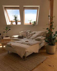 Room Ideas Bedroom, Bedroom Decor, Pretty Room, Aesthetic Room Decor, Dream Home Design, Dream Rooms, House Rooms, Room Inspiration, Home Decor