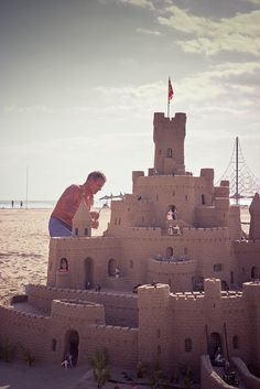 #ComunidadValenciana #Spain I've seen castles like these on the beach in Benidorm!
