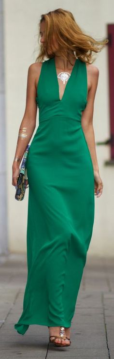 Green Lovely Maxi v-neck Dress. Elegant women fashion @roressclothes closet ideas