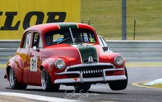 Hangin out in a humpy Australian Muscle Cars, Aussie Muscle Cars, Holden Muscle Cars, Holden Australia, Man Shed, Morris Minor, Old Race Cars, Sports Sedan, Vintage Race Car