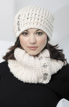 Leisure Arts cowl and hat pattern in crochet Loom Knitting Projects, Loom Knitting Patterns, Crochet Projects, Crochet Patterns, Knitting Looms, Crochet Scarves, Knit Crochet, Crochet Hats, Loom Knit Hat