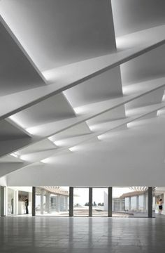 Choose from the largest collection of Latest False Ceiling Design & Decorating Ideas to add style. Discover best False Ceiling inspiration photos for remodel & renovate, here. Architecture Design, Light Architecture, Contemporary Architecture, Amazing Architecture, Auditorium Architecture, Auditorium Design, Natural Architecture, Modern Contemporary, House Ceiling Design