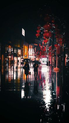 Atmospheric rain photography of a city street at night Rain Photography, Street Photography, Landscape Photography, Travel Photography, Photography Classes, Rainy Wallpaper, Urbane Fotografie, Tokyo Ghoul Wallpapers, City Aesthetic