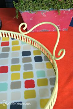 This DIY Upcycled Thrift Store Tray is great for outdoor entertaining this summer!