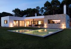 Ses Vinyes, modern, light and airy villa close to #Begur and #Girona http://www.charmingvillas.net/costa-brava-area/ses-vinyes.html