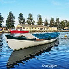#portfairy #portfairypics #australia #aussiephotos #australiagram #admireaustralia #amazing_australia #boat #explorevictoria #exploreaustralia #exploringaustralia #fish #fishing #greatoceanroad #great_captures_australia #igers_vic #icu_aussies #ig_australia #ig_down_under #liveinvictoria #sunrise #seeaustralia #visitvictoria #wow_australia #fletcherjones #gca_float