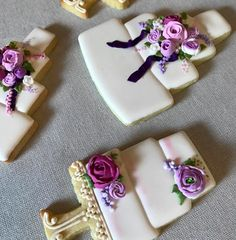 Lots of wedding cakes this week as well. I loved working with the colors of this wedding. Wedding Cake Cookies, Panna Cotta, Baking, My Love, Ethnic Recipes, Desserts, Cakes, Colors, Instagram