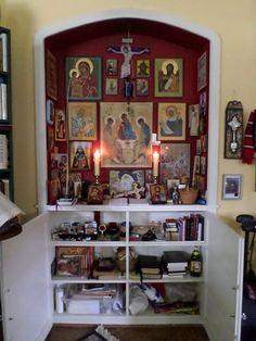 Frederica Mathewes-Green's Icon corner Orthodox Prayers, Orthodox Christianity, Catholic Altar, Greek Icons, Altar Design, Prayer Corner, Home Altar, Home Icon, Prayer Room