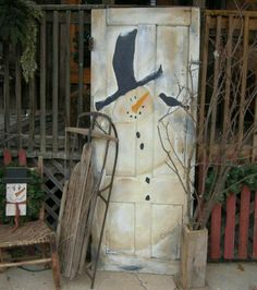 Primitive snowman door, pinned from Family Traditions Primitives via facebook.