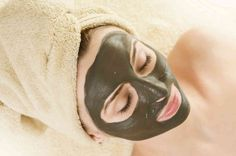 Mud Mask on the face. Beautiful Young Woman applying a Mud Mask.Spa and faci… - Pele Limpa Easy Face Masks, Best Face Mask, Homemade Face Masks, The Face, Peel Off Mask, Best Natural Skin Care, Clay Masks, Mud Masks, Tips Belleza