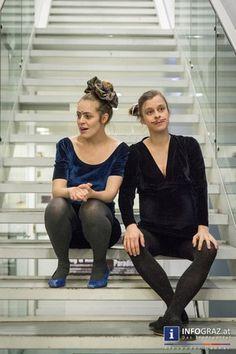 """Forum Stadtpark Graz: die Sámaheydi Sisters  (Veza Maria Fernández Ramos und Christina Lederhaas) mit """"Thinking Pieces 2014"""".  """"#Forum #Stadtpark"""" #Graz """"#Sámaheydi #Sisters"""" """"#Thinking #Pieces 2014"""" """"#Veza #Maria #Fernández #Ramos"""" """"#Christina #Lederhaas"""" #Denken """"#körperlicher und #performativer #Ausdruck"""" #Fotos #Bilder #ForumStadtparkGraz #SámaheydiSisters #ThinkingPieces2014 #VezaMariaFernándezRamos #ChristinaLederhaas #körperlicher und #performativer #Ausdruck"""" #Fotos #Bilder"""