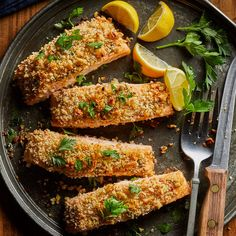 Think you don't have enough time to make a healthy dinner? These easy recipes are ready in 20 minutes—less time than it takes to order and drive to get takeout. So send those excuses right out the door and get cooking with one of these dinner recipes. Easy Salmon Recipes, Seafood Recipes, Dinner Recipes, Healthy Recipes, Fish Recipes, Diabetic Recipes, Healthy Meals, Mediterranean Diet Meal Plan, Gastronomia