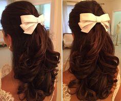 Penteado de noiva - casamento clássico - cabelo meio preso com laço de cetim ( Laço: Wanda Borges )