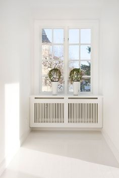 Design by Lovina Home Radiators, Radiator Cover, Interior Decorating, Interior Design, Living Room Interior, Home Projects, Small Spaces, Sweet Home, Decoration