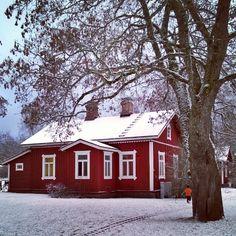 Viikonlopun huippuhetket: Ensimmäiset lumihiutaleet ja junamuseo #Hyvinkää #rautatiemuseo #Suomi #Finland #ensilumi #marraskuu