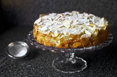Russian Apple Cake = Apple Sharlotka, many thanks from Smitten Kitchen Just Desserts, Delicious Desserts, Dessert Recipes, Yummy Food, Apple Desserts, Apple Recipes, Baking Recipes, Whole Food Recipes, Yummy Treats