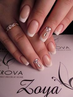 Semi-permanent varnish, false nails, patches: which manicure to choose? - My Nails French Nail Art, French Nail Designs, Nail Art Designs, Pedicure Designs, Manicure Ideas, Pretty Nails, Fun Nails, Sparkle Nails, Wedding Nails Design