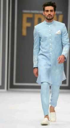 Wedding dress men - Admirable Outfit Styles For The Groom At Engagement Party To Try Sherwani For Men Wedding, Wedding Dresses Men Indian, Wedding Dress Men, Wedding Outfits For Men, Punjabi Wedding, Indian Weddings, Wedding Couples, Bridal Outfits, Wedding Suits