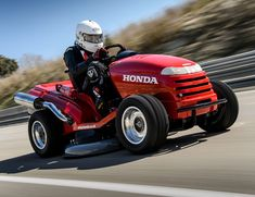 Reportedly capable of reaching speeds north of 130 mph, for the second time Honda has built the world's fastest lawnmower.