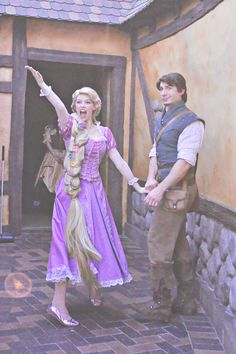 Rapunzel and Flynn Rider Face Characters Disneyland Face Characters, Disney Characters Costumes, Disney Trips, Disney Parks, Disney Pixar, Walt Disney, Rapunzel And Eugene, Tangled Rapunzel, Costumes