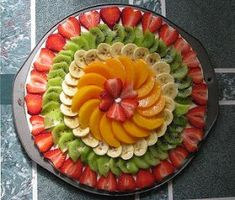 ideas fruit platter designs presentation cheese plates for 2019 Fruit Buffet, Fruit Dishes, Fruit Trays, Fruit Tables, Fruit Recipes, Pizza Recipes, Fruit Platter Designs, Fruits Decoration, Fruit Creations