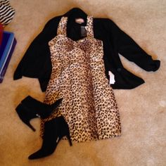 Cheetah Print Dress  Good condition- can be used as business casual or going out! Dresses Midi