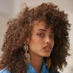 Pretty People, Beautiful People, Portrait Fotografie Inspiration, Curly Hair Styles, Natural Hair Styles, Natural Beauty, Afro Hairstyles, Woman Face, Black Is Beautiful