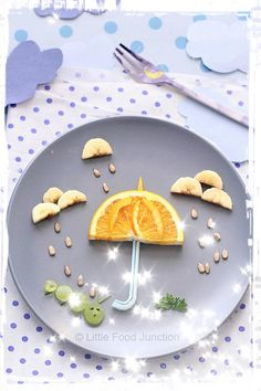 Kids Meals 50 Kids Food Art Lunches - Spring Rain Food Art - These snack ideas are ADORABLE! Some people are so clever! I never would have thought of all of these amazing food art ideas, but they really are creative! Cute Snacks, Cute Food, Good Food, Yummy Food, Healthy Food, Healthy Kids, Healthy Cooking, Food Art Lunch, Baby Food Recipes